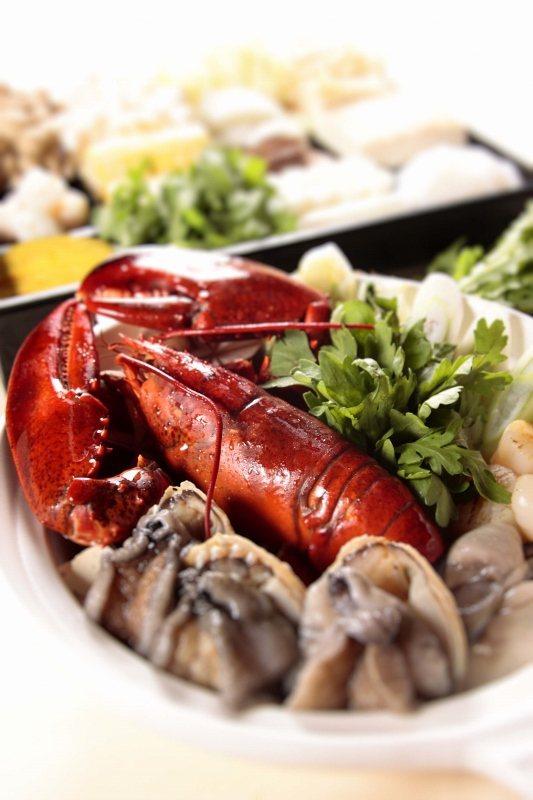 三燔本家豪華海陸餐。 台北晶華/提供