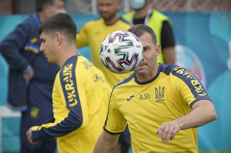 烏克蘭參加歐國盃球衣,遭到俄國總統普京抗議。 美聯社