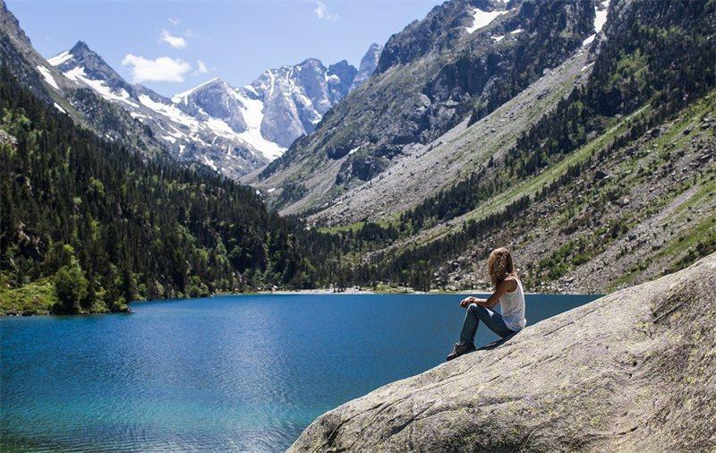 法國和西班牙交界的湖光山色 一定能療癒人 / 來源:lourdes.tourisme