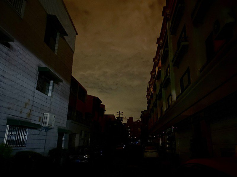 台南永康、東區等多區域約凌晨12點無預警停電。記者鄭維真/攝影