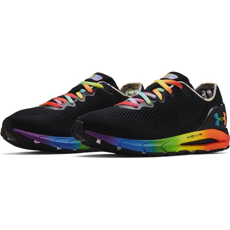 UA Pride 系列HOVR Sonic 4慢跑鞋4,280元。圖/UNDER...