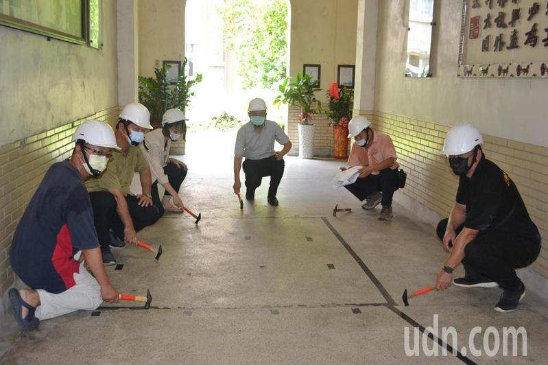 台南女中自強樓為歷史建築,將進行1年8個月的整建工作,今天舉行開工儀式。記者鄭惠仁/攝影