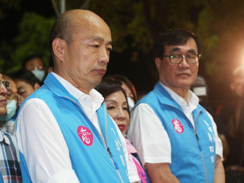 高雄市前副市長李四川(右)回顧罷韓周年表示,「市政的好壞,最好的仲裁者,就是高雄市民。圖/聯合報系資料照片