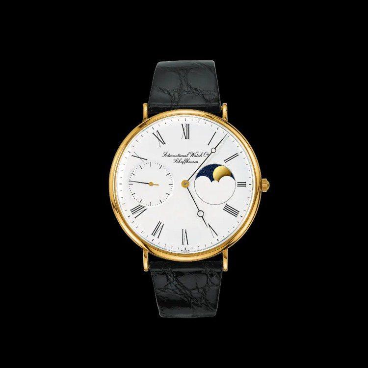 在Portofino系列中,1984年的月相手上鍊腕表以纖細的表殼、羅馬數字時標...