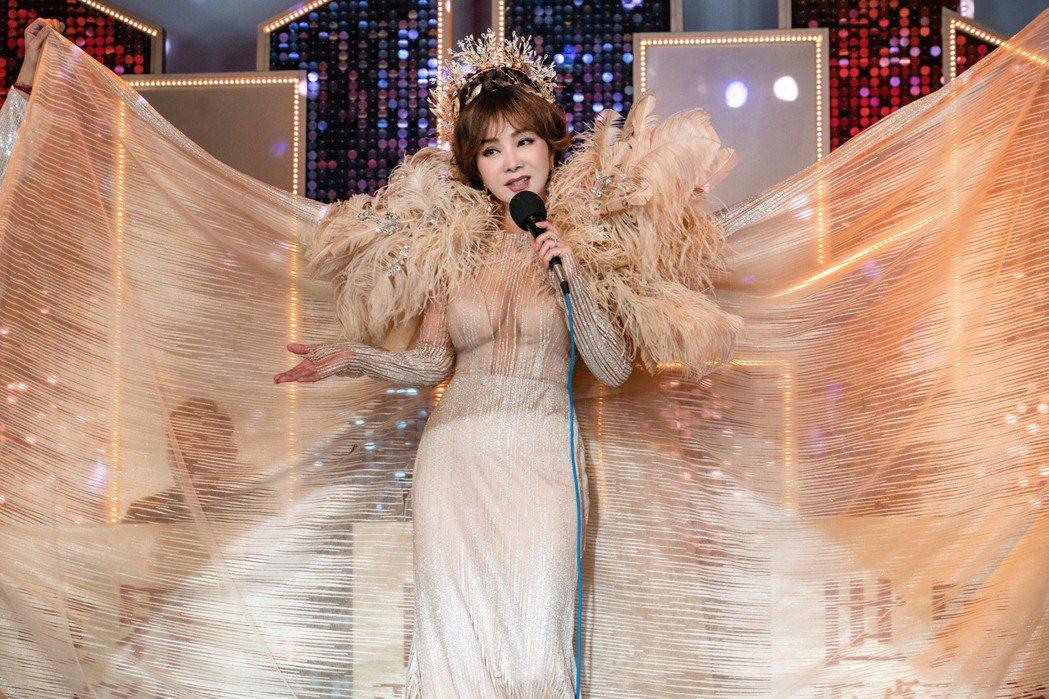 陳美鳳在「黃金歲月」中飾演經營世界西餐廳的老闆美娟。圖/民視提供