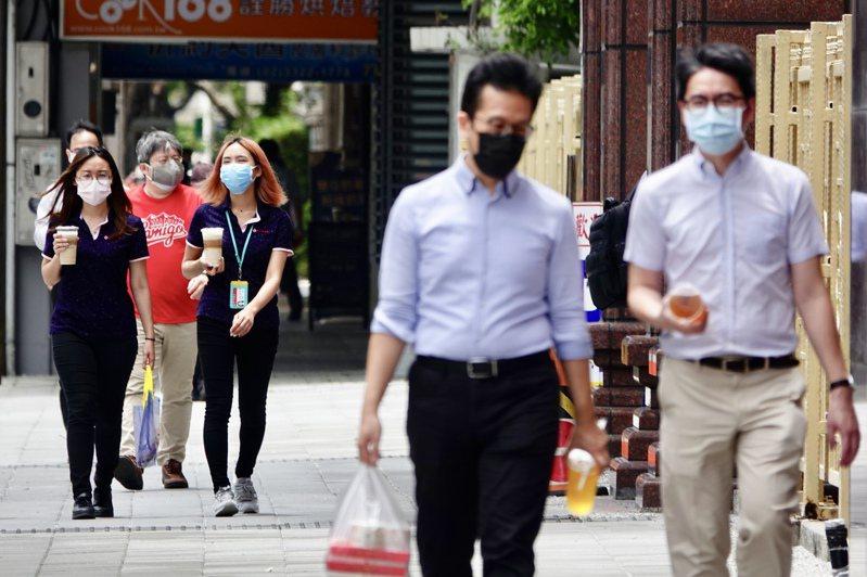 台灣疫情不降,儘管並未全面封城,製造業者對前景仍出現疑慮。圖為示意圖。圖/聯合報系資料照片