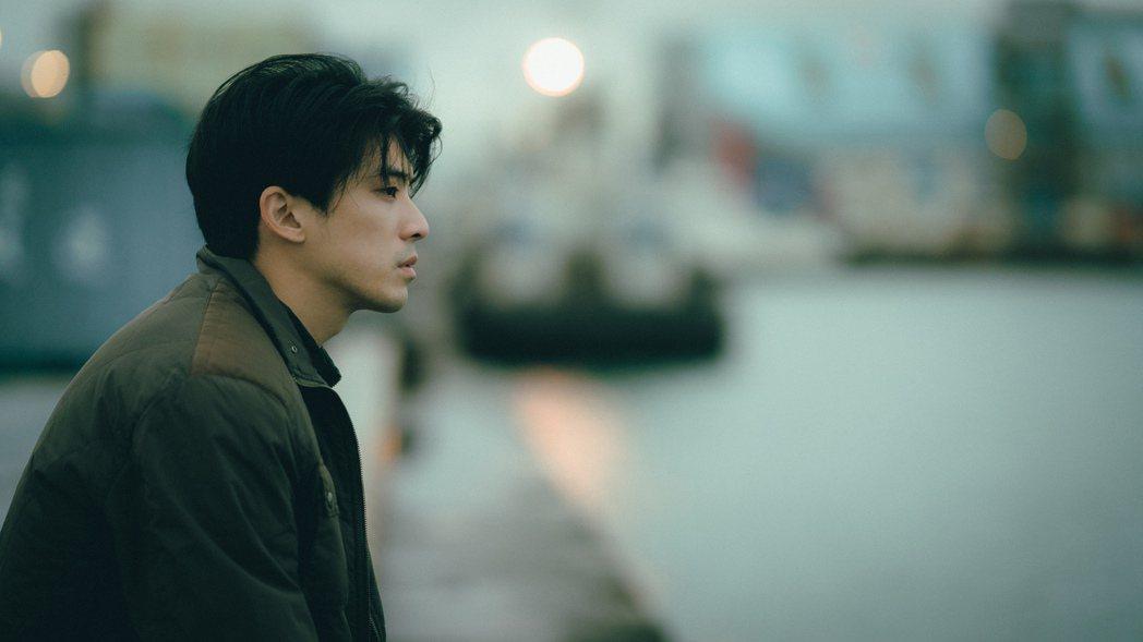林哲熹拍影片祝福今年無畢典的畢業生。圖/電影「青春弒戀」提供