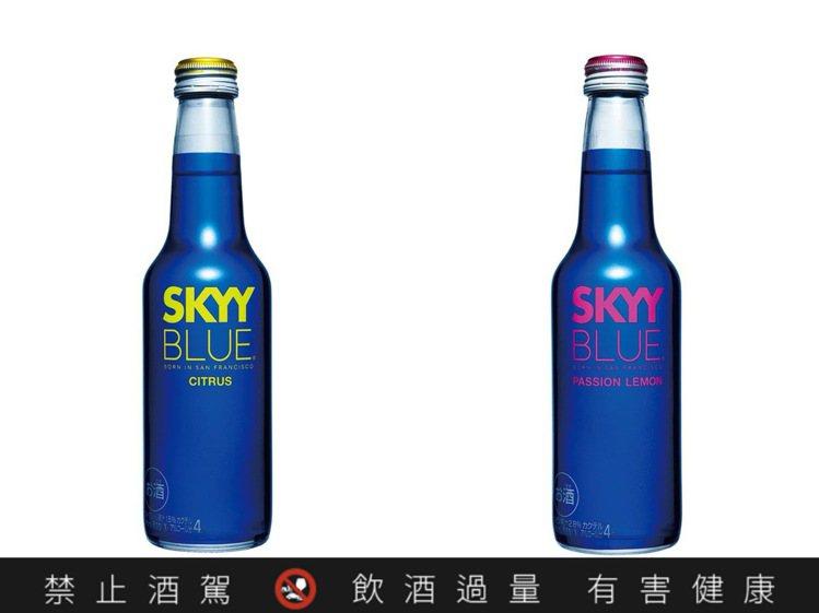 SKYY晴空微氣泡酒,是酒精度僅4%低酒精水果啤酒。圖/家樂福提供