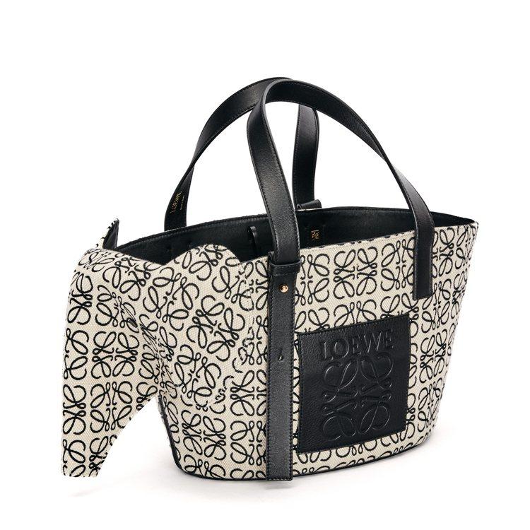 大象造型緹花手提包(大),價格店洽。圖/LOEWE提供
