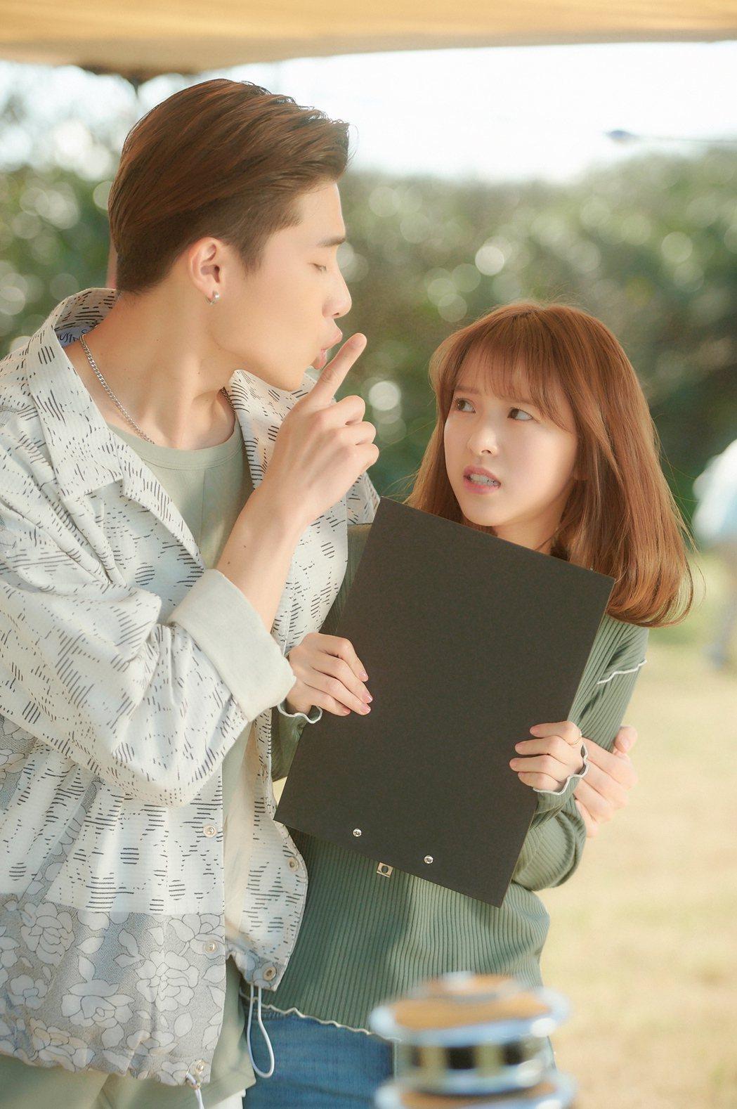 宋偉恩(左)在劇中飾演項婕如的前男友,自戀又有控制狂。圖/LINE TV提供