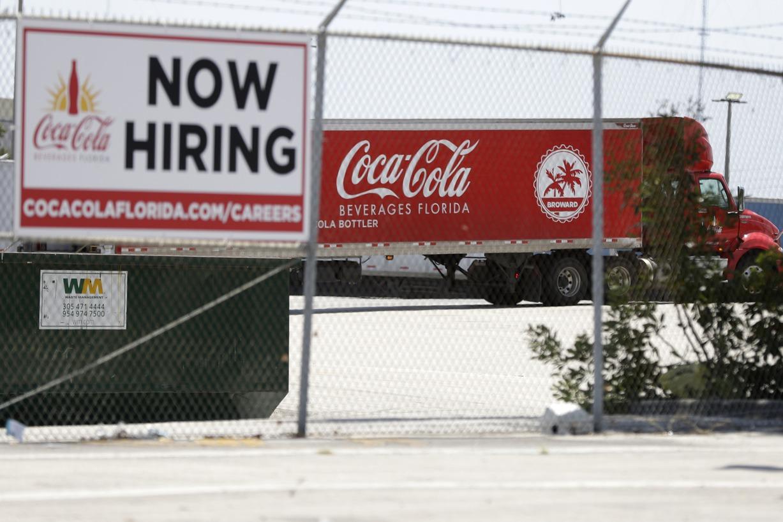 經濟重啟 美國初領失業補助金人數降至近15個月低點