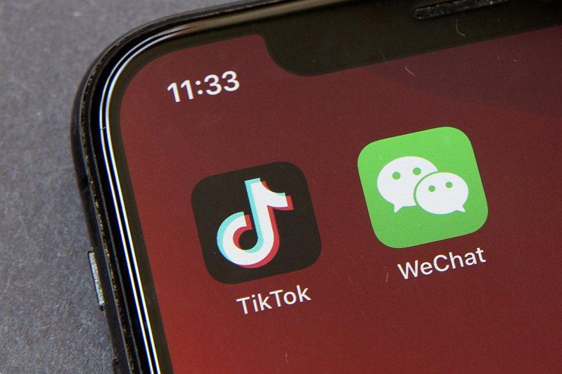 拜登九日透過最新行政令廢除前總統川普對抖音、微信等中國應用程式的禁令。(美聯社)