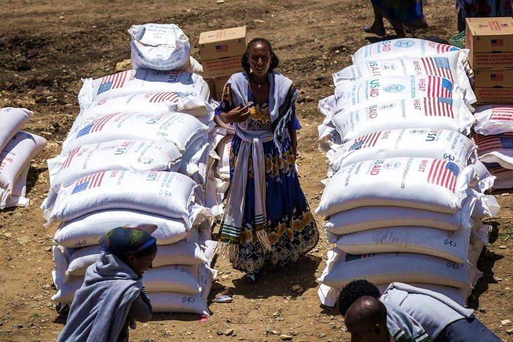 佔領軍們不僅肆無忌憚的強暴掠劫,厄利垂亞軍更夥同衣索比亞中央軍警,一同封鎖農村運...