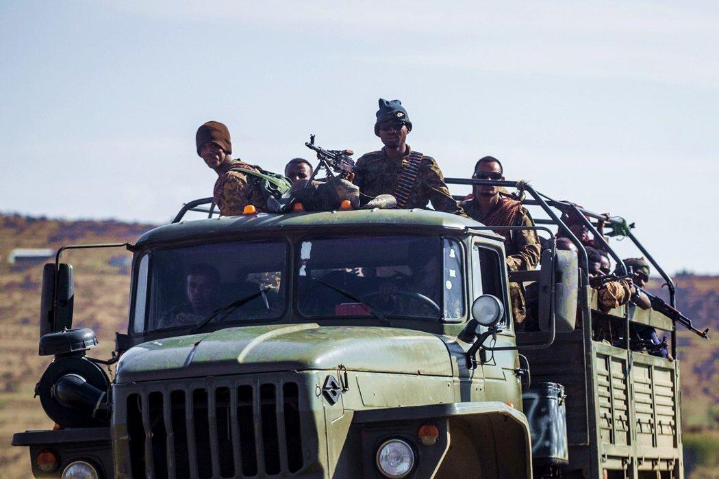 忙著著手剷除「提格雷羽翼」的阿比,聯合北方的鄰國厄利垂亞共同發兵包圍提格雷州,一...