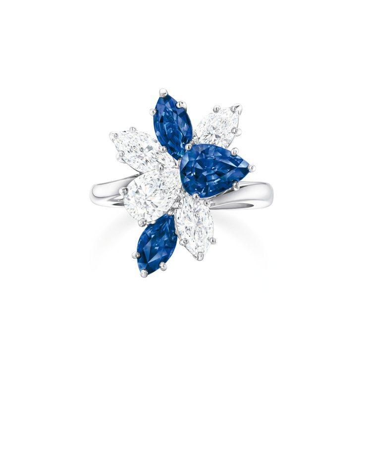 海瑞溫斯頓Winston Cluster系列藍寶石鑽石戒指,鑲嵌2顆馬眼型和1顆...