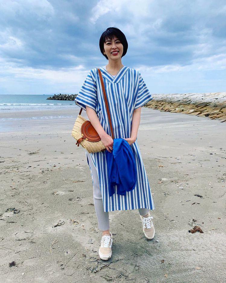 松隆子在《大豆田永久子與三個前夫》中詮釋Chloé Marcie Basket側...