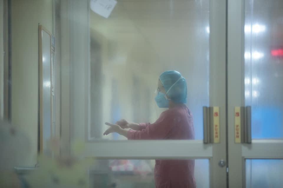 基隆疫苗分配1萬2千劑 林右昌臉書貼醫護與病毒對抗照