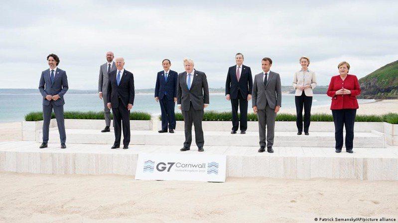 德國編輯部網路周六發表針對G7峰會的分析文章「中國與七個小矮人」指出,美國總統拜登希望通過一個全新的自由國家網路來束縛中國這個覺醒的巨人。圖/德國之聲中文網