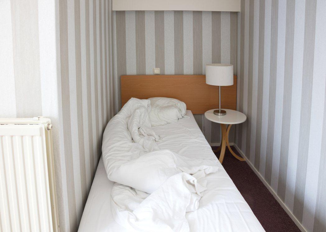 有網友表示,自從在家上班以來,每天都在待在5坪的小房間,「感覺快發瘋了,說實在的...