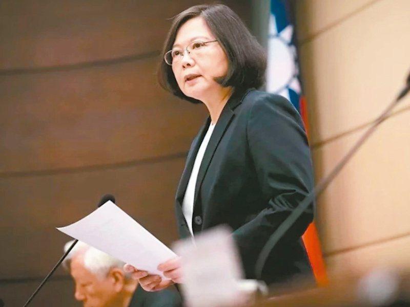 日本參議院議員全體起立,無異議通過支持台灣參加WHO的決議,總統蔡英文表示要代表所有台灣人民,感謝日本友人對台灣全方位的相挺。 本報系資料庫