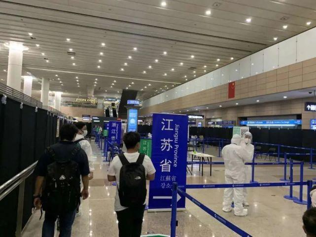 上海11日新增境外輸入確診病例8例,其中一例再發現「台灣輸出」。圖/上海市台胞服...