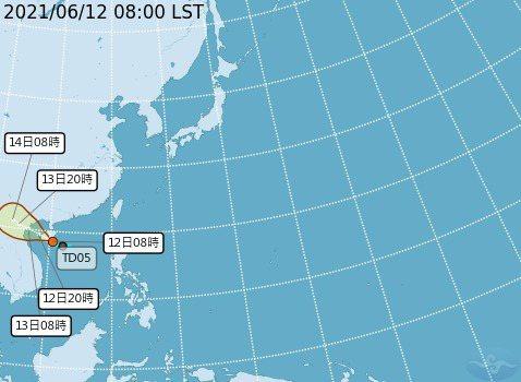 熱低壓可望今天下午生成今年第四號颱風小熊。圖/氣象局提供
