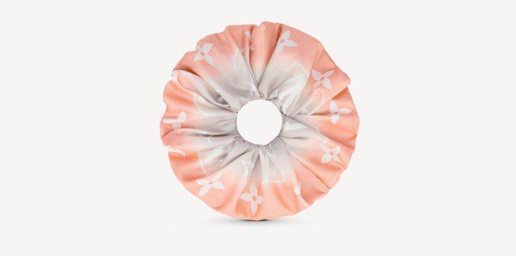 LV粉紅色Monogram Gradient彈性髮圈8,850 元。圖/取自LV...