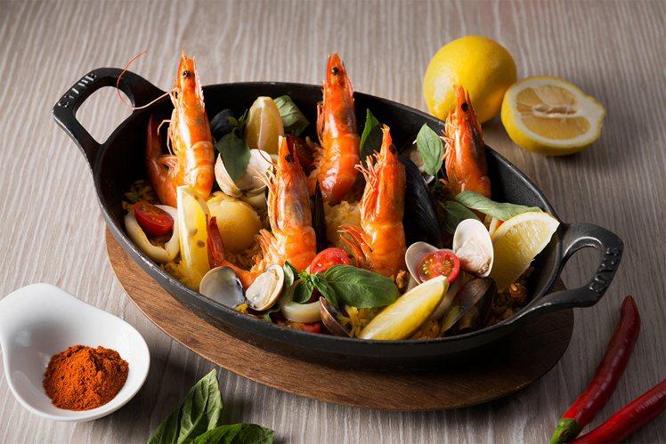 The Chapter Café招牌料理之一「西班牙番紅花海鮮飯」。圖/誠品行旅...