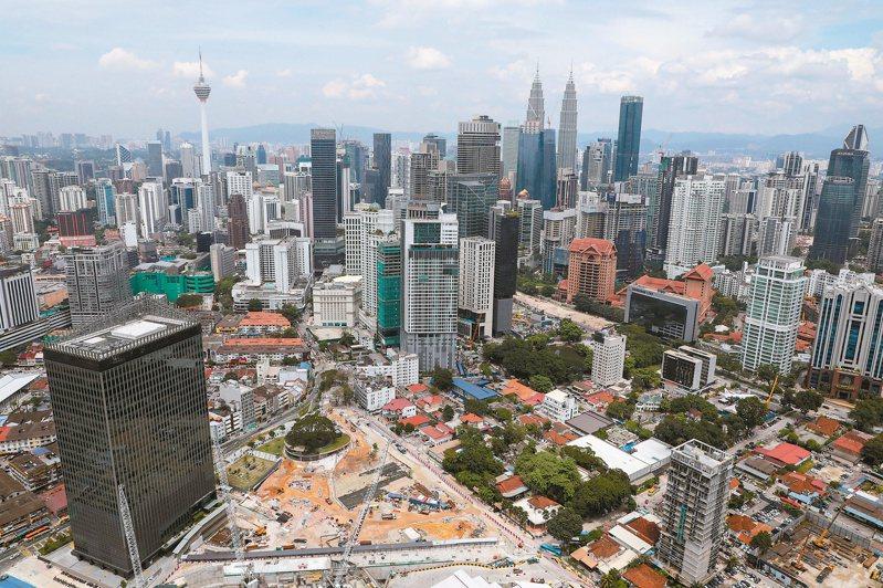馬來西亞政經情勢穩定,基礎建設、經濟成長及人口紅利,都是東協諸國中數一數二的佼佼者。(路透)