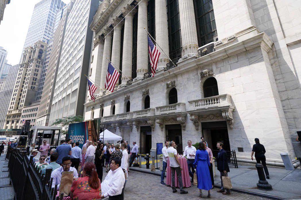 美股投資人如今心態大致是先觀望聯準會(Fed)下周開會怎麼說。(美聯社)