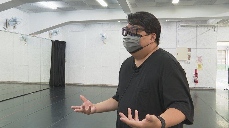 狂想劇場導演廖俊凱面對三級警戒群聚禁令發布後,排練室空無一人十分感嘆。記者王彥鈞/攝影