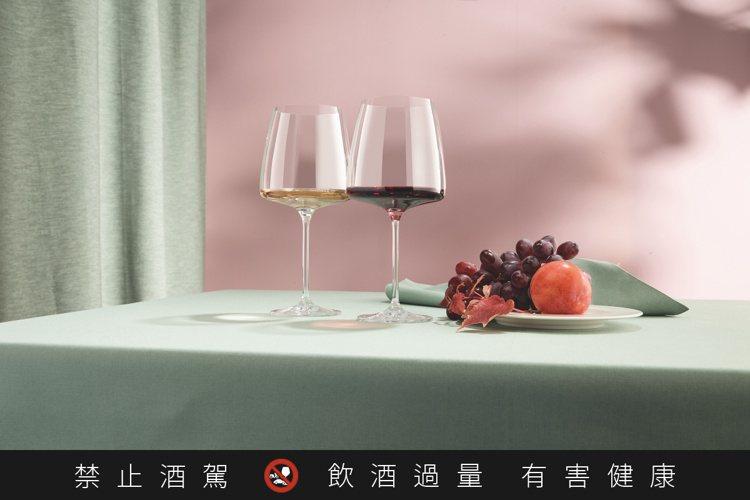 Sensa繽紛系列,打破框架品味奢華。圖/德國蔡司提供。提醒您:禁止酒駕 飲酒過...