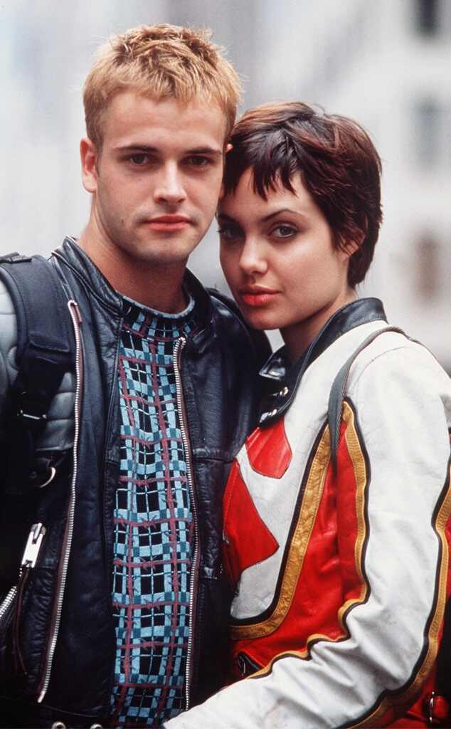 強尼李米勒與安琪莉娜裘莉因合作「網路駭客」假戲真做而結婚。圖/摘自imdb