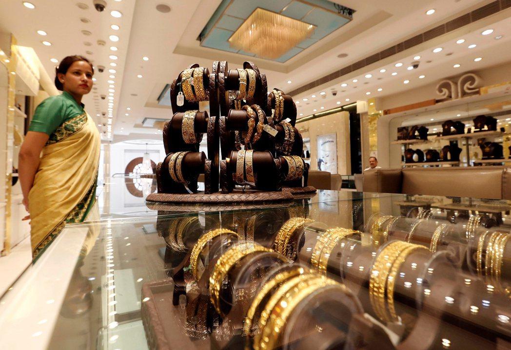 印度去年對黃金的需求驟降至逾20年來最低,但今年第1季需求反彈,原因是黃金價格走...
