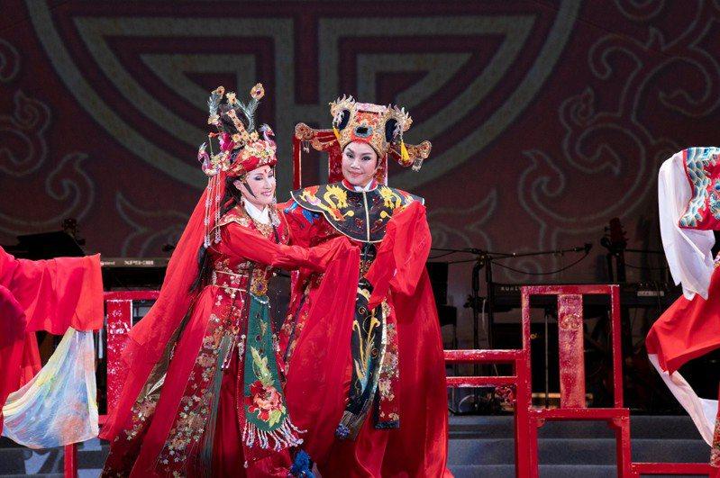 唐美雲歌仔戲團演出的「天官賜福慶端午」,限時四十八小時歡迎民眾上線觀賞。圖/文化總會提供
