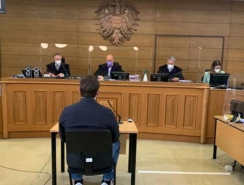 奧地利軍人因美化納粹主義和非法持有槍支被判刑。圖/取自7news