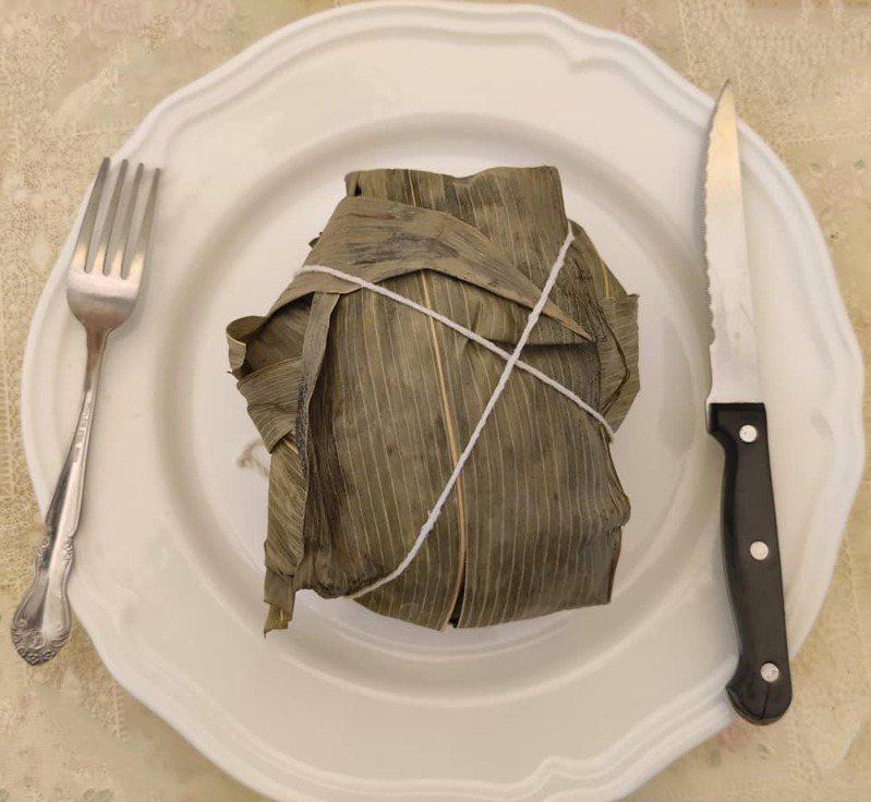 網友老婆自行製作特殊肉粽。圖/取自臉書