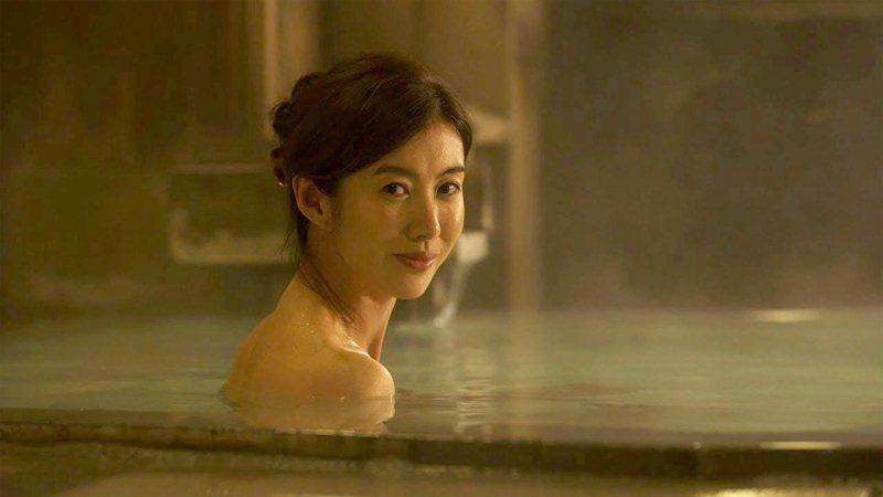 日本人認為,泡澡能讓身體熱起來,血管擴張令血液更容易流通於身體各處,有緩和各種疼痛的效果。圖/香港01