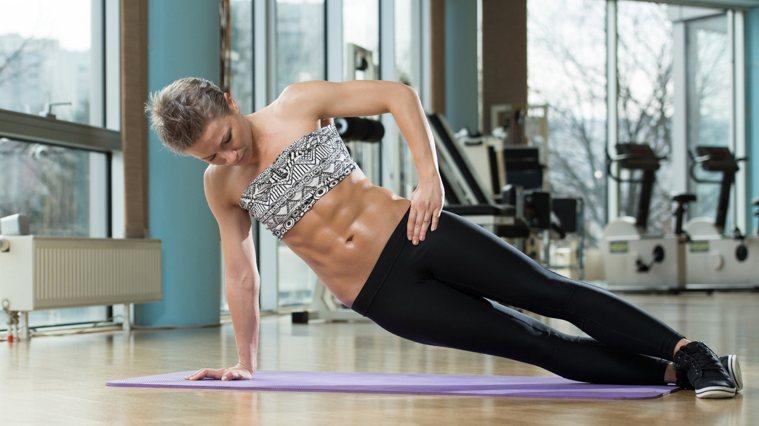 4分鐘虐腹TABATA,擺脫肚肉,訓練核心肌群。圖/Canva