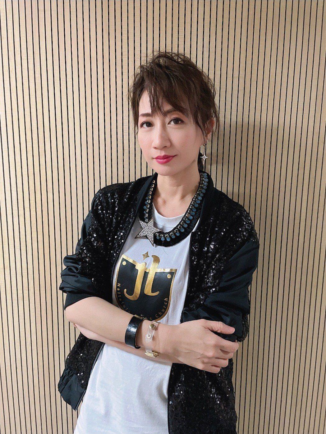 曾入圍金鐘獎的女星潘奕如申請紓困3萬元入帳。圖/亞凰國際娛樂提供
