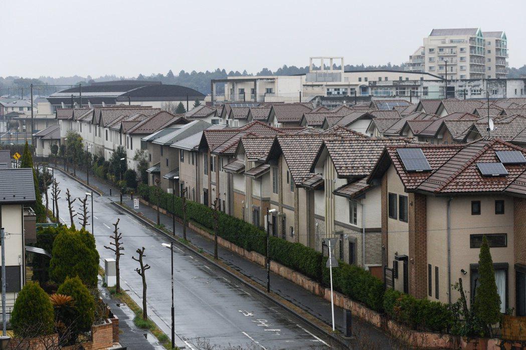 日本購屋者在疫情期間往郊區找較大的房子,意外嘉惠布局東京以外地區的房貸業者。(彭...