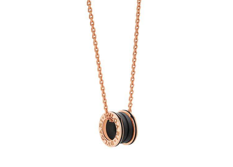 BVLGARI B.zero1系列玫瑰金啞光黑陶瓷項鍊,14萬0,100元。圖/...