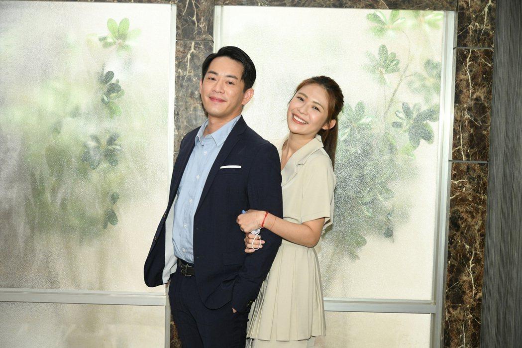 韓宜邦(左)、林萱瑜在「天之驕女」飾演苦命情侶檔「豪美CP」。圖/三立提供