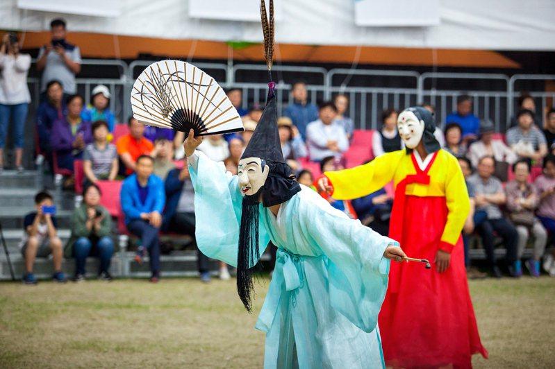 位於江陵地區的「江陵端午祭」,被聯合國教科文組織(UNESCO)列為世界無形遺產。圖/韓國觀光公社提供