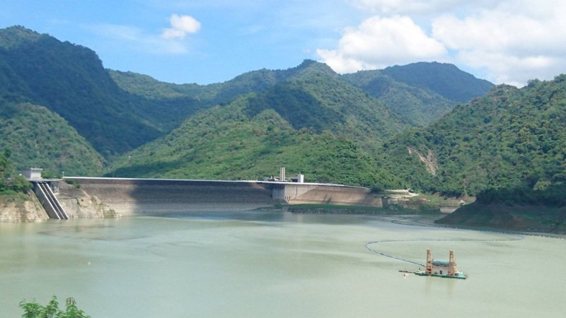台南三大水庫近日蓄水量增,曾文水庫今晨蓄水量破億萬噸,不過市府水利局及水利署南水局均稱水情燈號仍不會調整,得持續落實節約用水。圖/台南市政府水利局提供