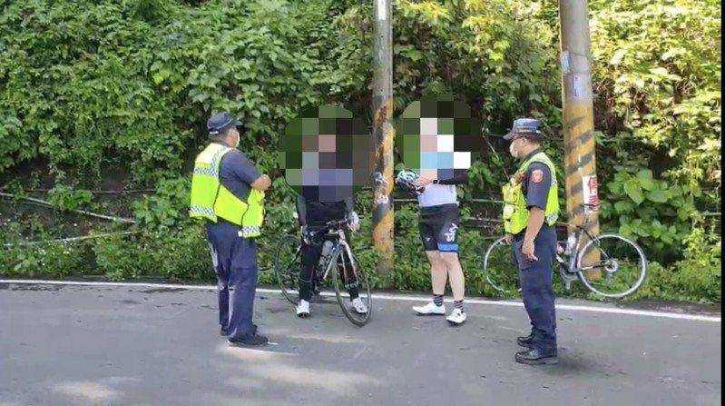 今天是端午連假最後一天,仍有零星山友到部落,屏東縣內埔警分局採柔性勸導。圖/警方提供