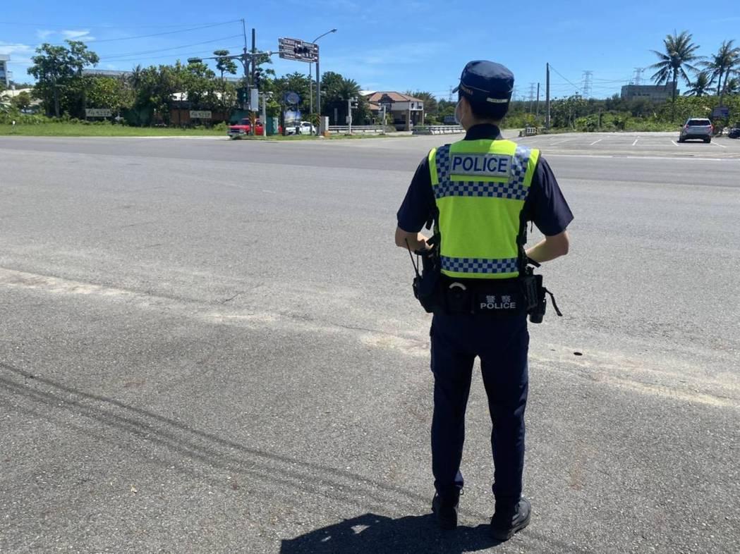端午三天連假,屏東縣警局交通隊指出,各地交通路網一片綠色,國道高快速道路也有平均...