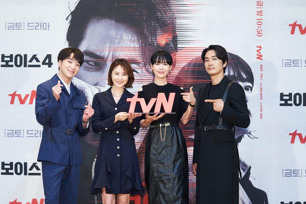 姜昇潤(左起)、孫恩書、李荷娜、宋承憲搶攻暑假檔。圖/friDay影音提供