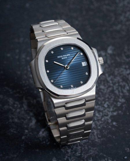 百達翡麗型號3800/001「Nautilus」罕有白金自動上鍊鍊帶腕表,藍面配...