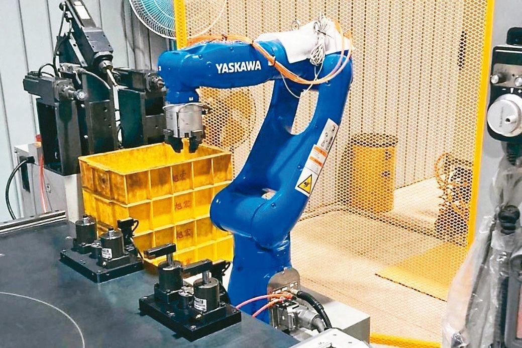 苗栗縣內粉末冶金大廠導入自動化設備,迎向智慧化製造。旭宏金屬/提供